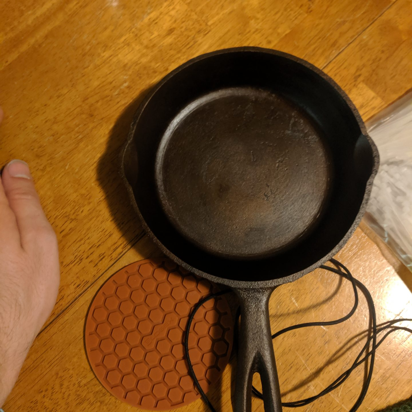 [07.25.19] Blasting Away the Rust: Re-Seasoning Cast iron from Scratch